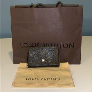 Louis Vuitton 6 key ring holder